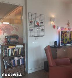 Huiskamer van een groepswoning voor mensen met dementie
