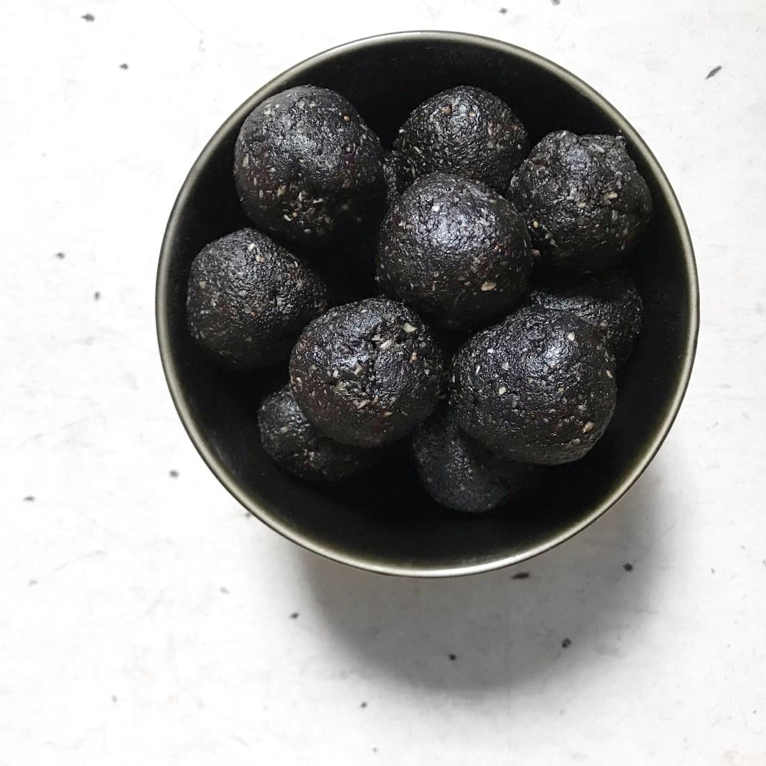 Black Sesame Coconut Bites