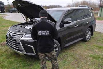 Украинец пытался вывезти из Польши в Украину краденый Lexus ценой в полмиллиона злотых