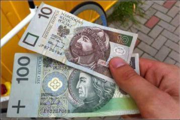 Польские СМИ публично заговорили о проблеме невыплаты зарплаты украинцам