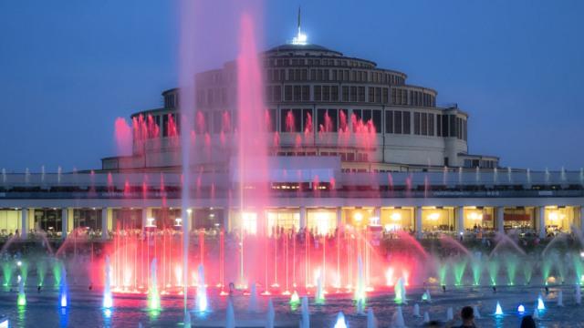 Вроцлавский мультимедийный фонтан. По какому расписанию он работает в 2019 году