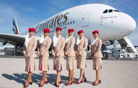 Авіакомпанія Emirates у Польщі проводить набір на роботу стюардами