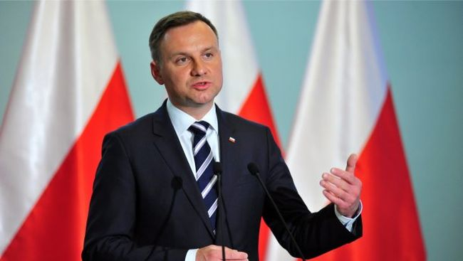 Крок до Polexit. Президент Польщі підписав закон про судову реформу