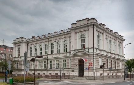 Слідчі знайшли підозрюваного у вбивстві українки у Плоцьку. Але слідство пригальмувало