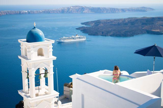 Vacation home in Santorini Greece