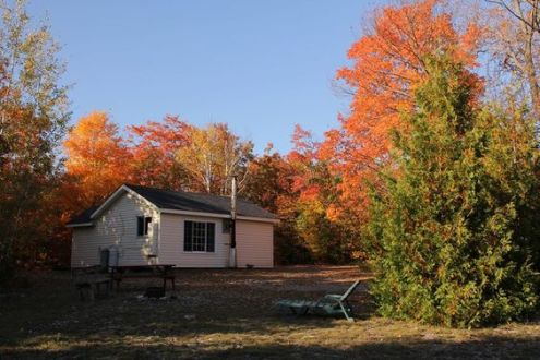 Stargazing Cabin at Gordon's Park on Manitoulin Island in the Fall