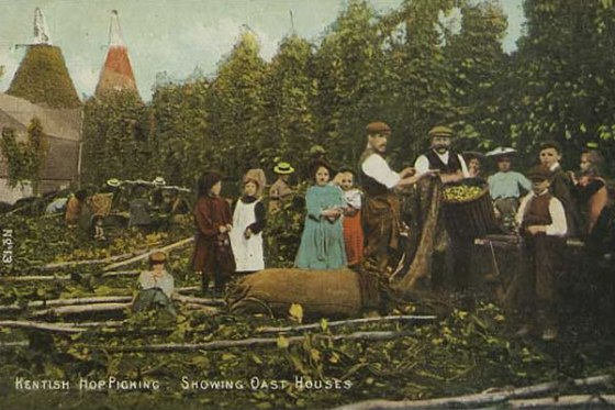 hop-picking-oast-houses