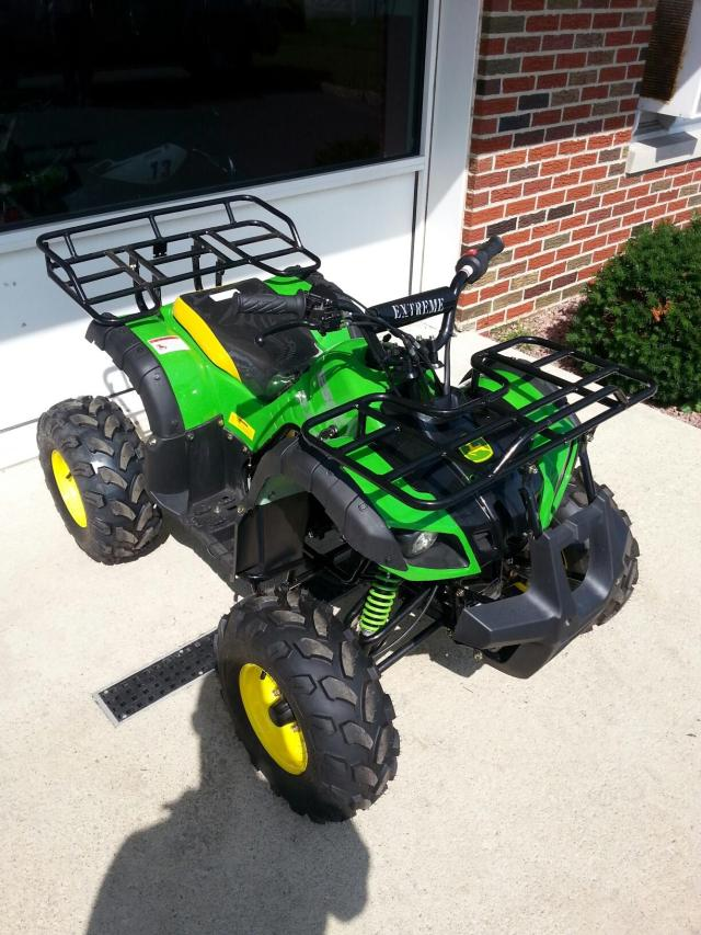 125cc Big Wheel John Deer Colored ATV (Front View)