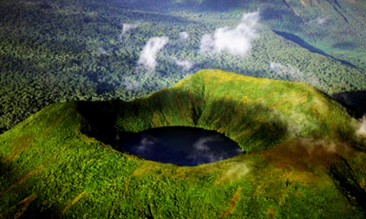Rwanda Mount Bisoke Volcano Volcanoes National Park Gorillas and Wildlife safaris