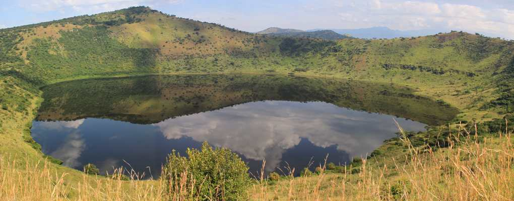 Crater Lake, Uganda tour habituation gorilla primate chimp Queen Elizabeth National Park