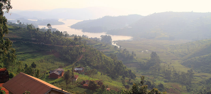 Beautiful Uganda, Birding in Lake Bunyonyi, Uganda Safaris