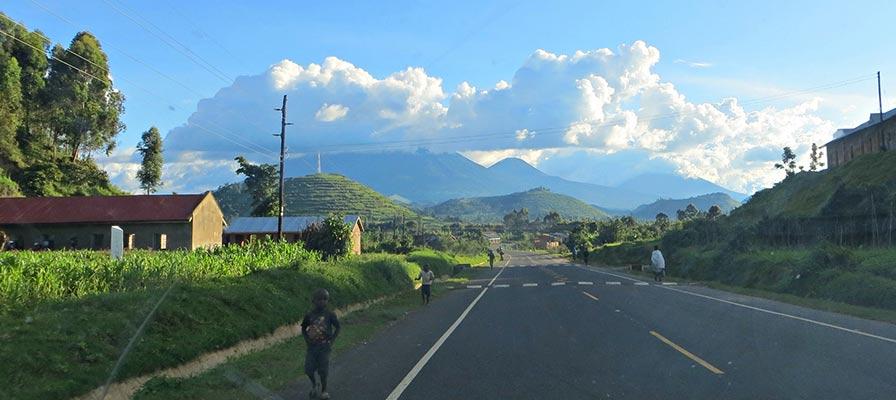 4 Days Batwa Trail & Gorilla Trekking Safari - Western Uganda Road Drive