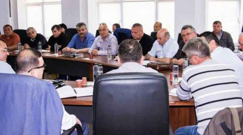 Imagini pentru poza cu liderii de sindicat din complexul energetic oltenia