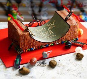 birthday-cake-skateboarding-party