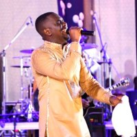 Joe Mettle Thrill Fans in Togo PHOTOS