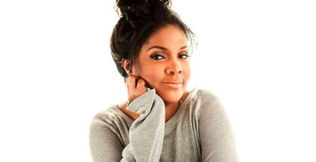 "CeCe Winans Unveils Black & White Video for ""It's Christmas"""