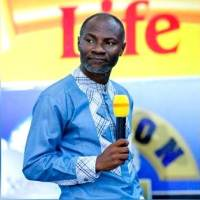 Badu Kobi Predicts Disaster in Nigeria; Says Buhari will Rig 2019 Election