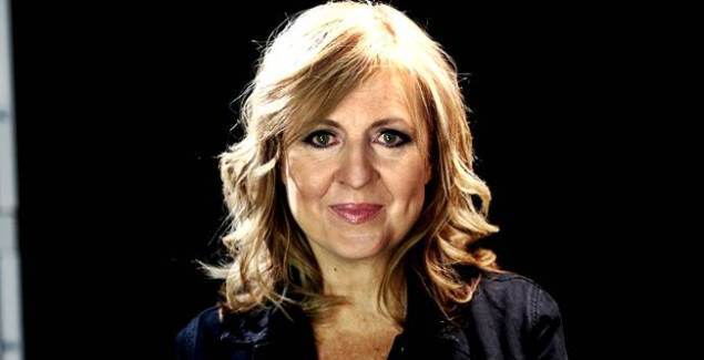"surrounded: Darlene Zschech Releases New Song ""Surrounded"""