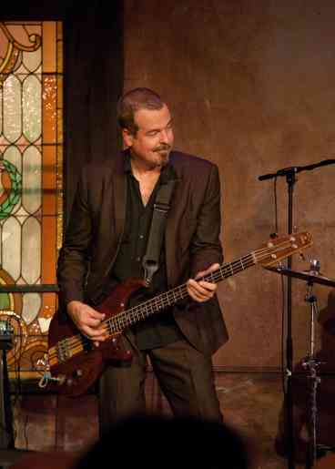Dove Winning Bassist Tim Chandler Dies at 58 - The Gospel