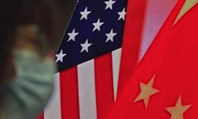 Bandeiras dos Estados Unidos e da China