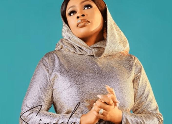 Beautiful mp3 by Sinach feat. Nathaniel Bassey