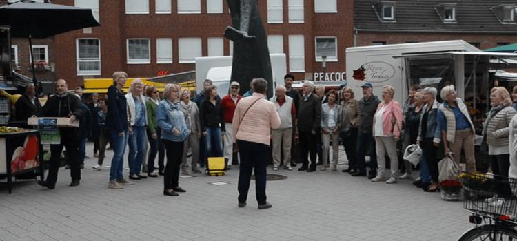 Flashmob auf dem Ahauser Wochenmarkt