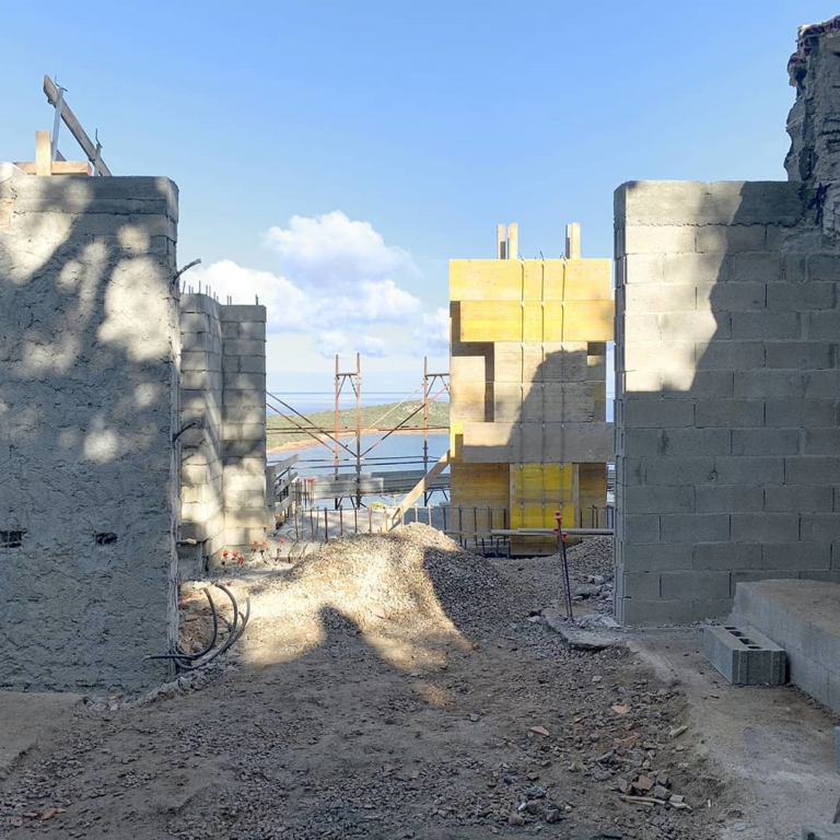Rising walls. Construction site of #villatavolara. #gosplanarchitects...