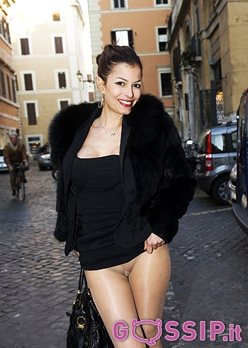 Sara Tommasi Hot in strada a Roma