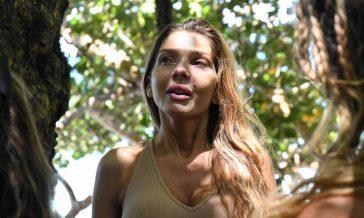 """Isola, Manuela Ferrera sulle protesi al sedere: """"Brutta bestia l'invidia"""""""