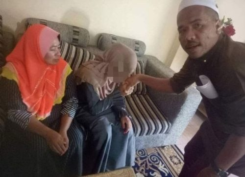 ovr2 500x363 - 41-year-old Man With Two Wives Weds 11-year-old Girl As 3rd Wife