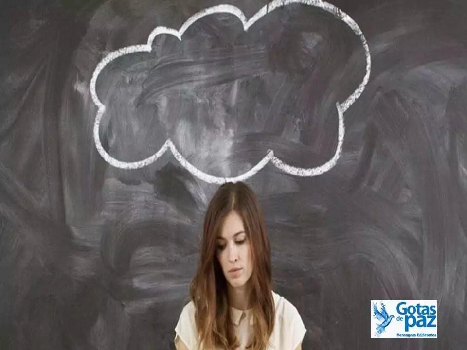 Quanto mais você conseguir limitar os pensamentos negativos, tanto mais forte a sua mente se tornará