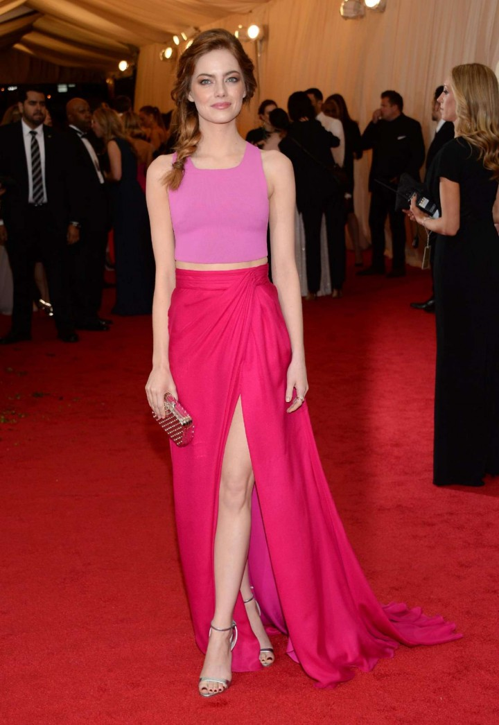 https://i1.wp.com/www.gotceleb.com/wp-content/uploads/celebrities/emma-stonea/charles-james-beyond-fashion-costume-institute-gala-in-ny/Emma-Stone---Met-Gala-2014--28-720x1046.jpg