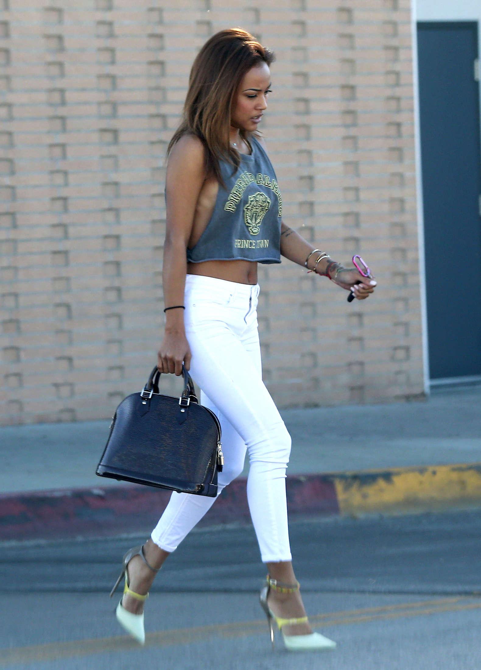 Karrueche Tran In Tight Jeans 03 GotCeleb