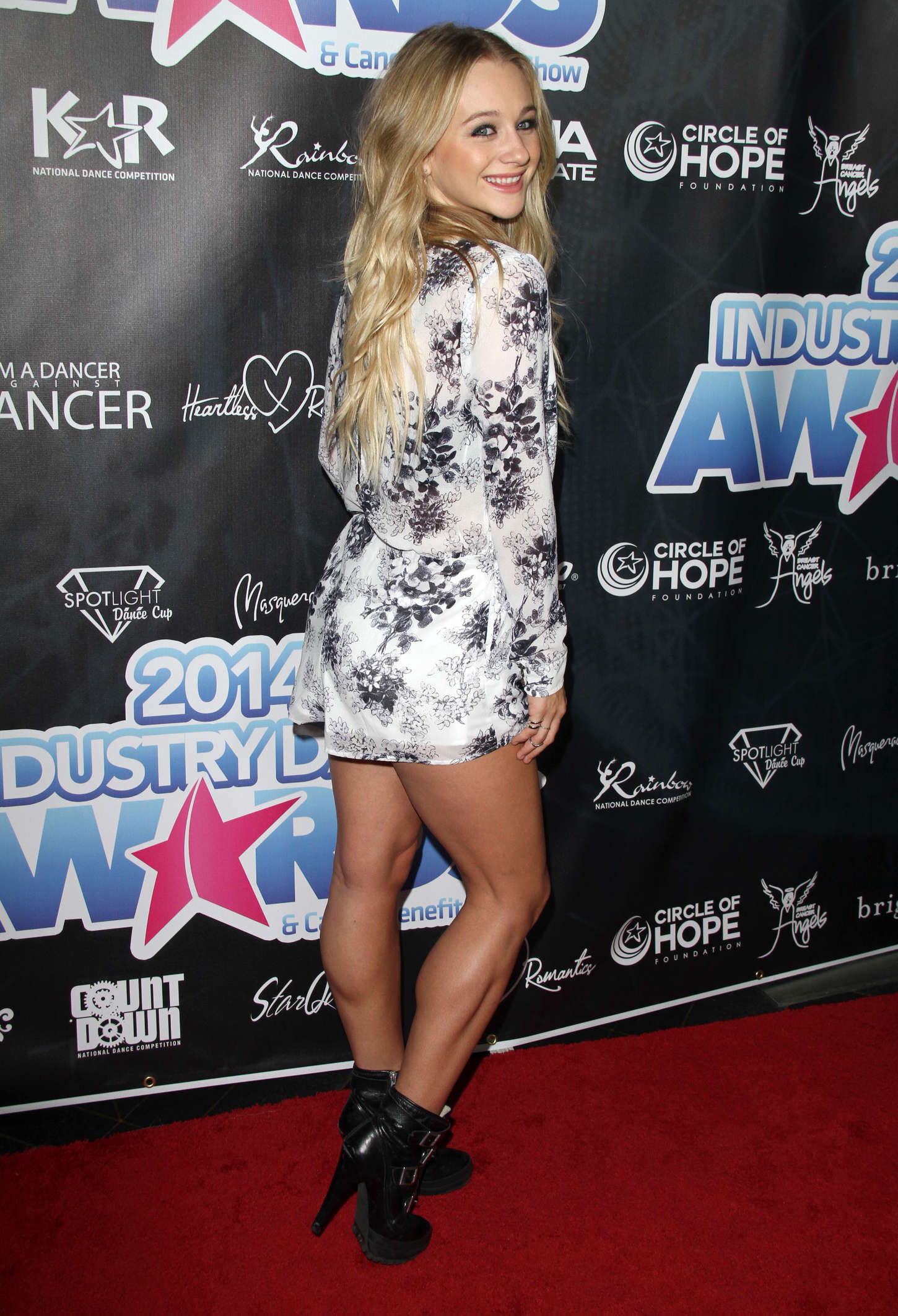 Mollee Gray 2014 Industry Dance Awards 04 GotCeleb