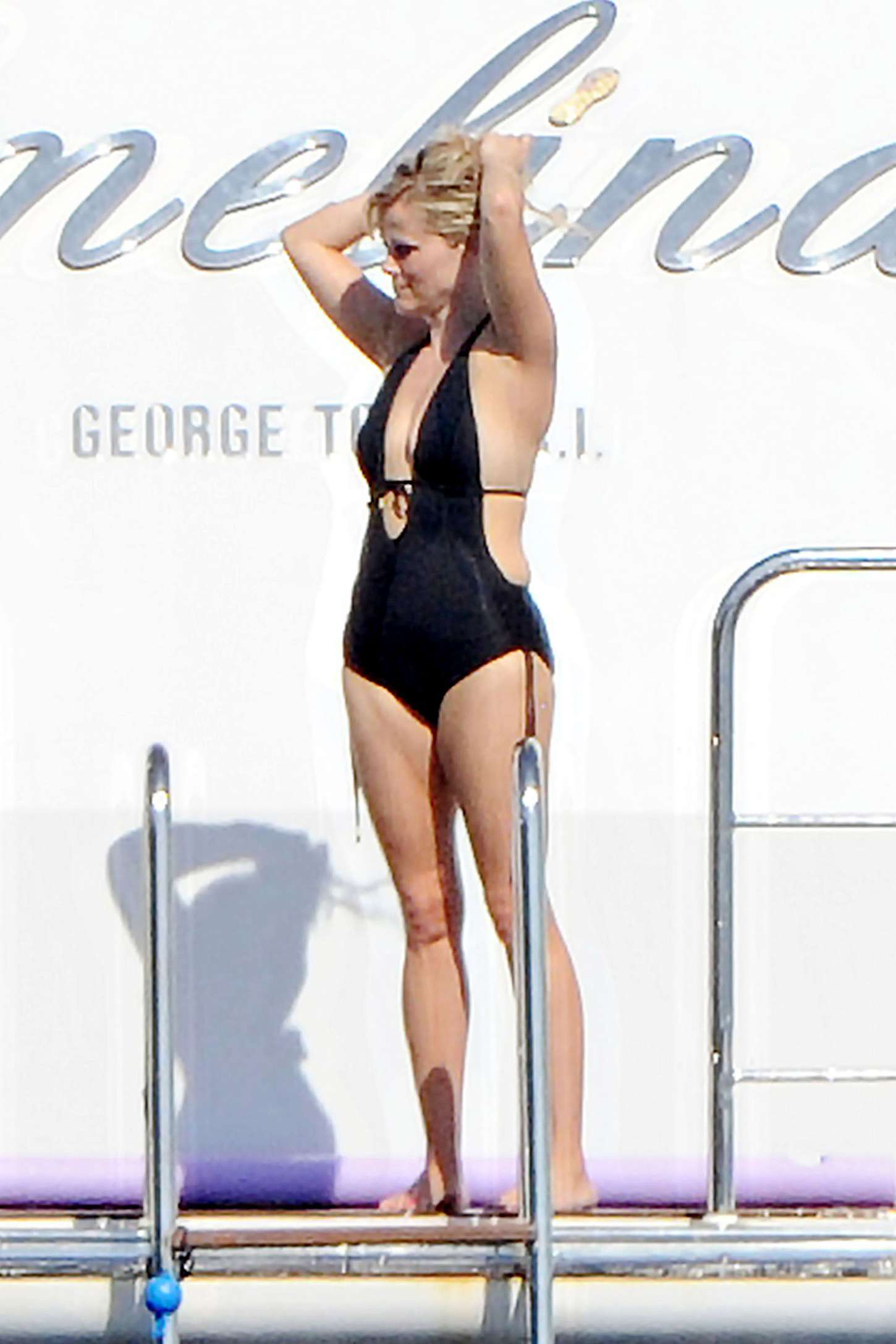 Reese Witherspoon In Black Swimsuit 21 GotCeleb