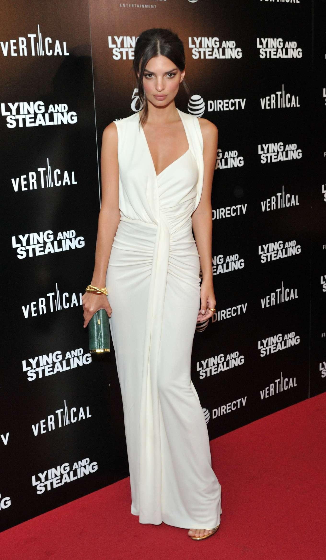 Emily Ratajkowski Lying And Stealing Ny Screening 14