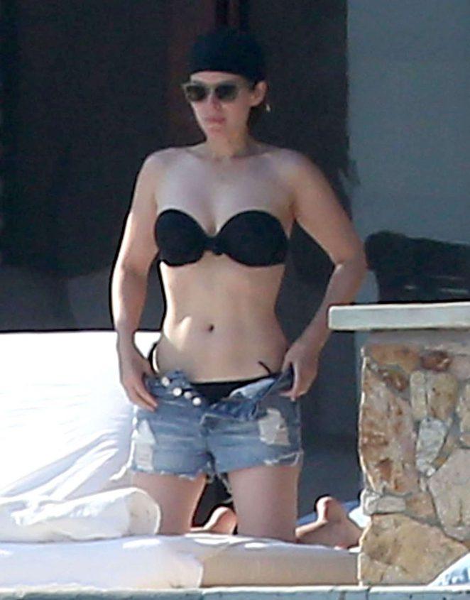 Kate Mara In A Bikini Collage Porn Video