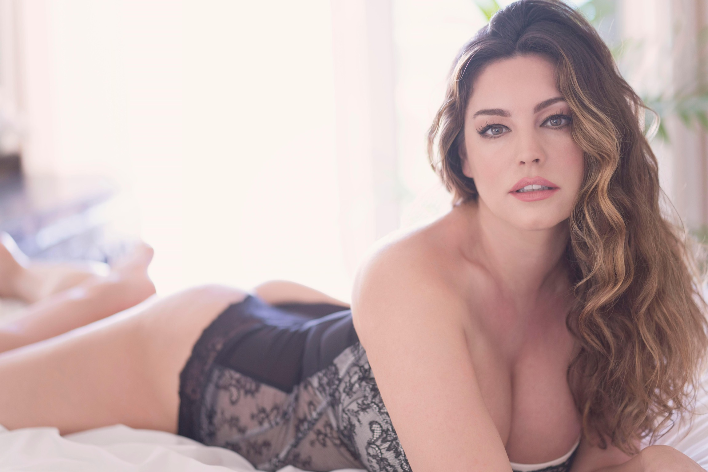 Kelly Brook Valentines Day Photoshoot 2018 Indian