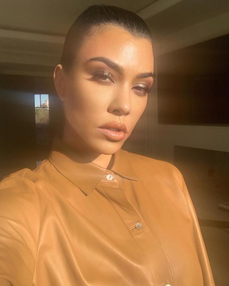 Kourtney Kardashian - Instagram and social media 13-20 ...