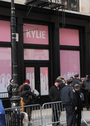Kylie Jenner At Her Pop Up Store Kylie In New York City