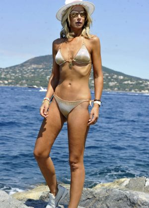 Lady Victoria Harvey In Bikini On The Beach In Saint Tropez GotCeleb
