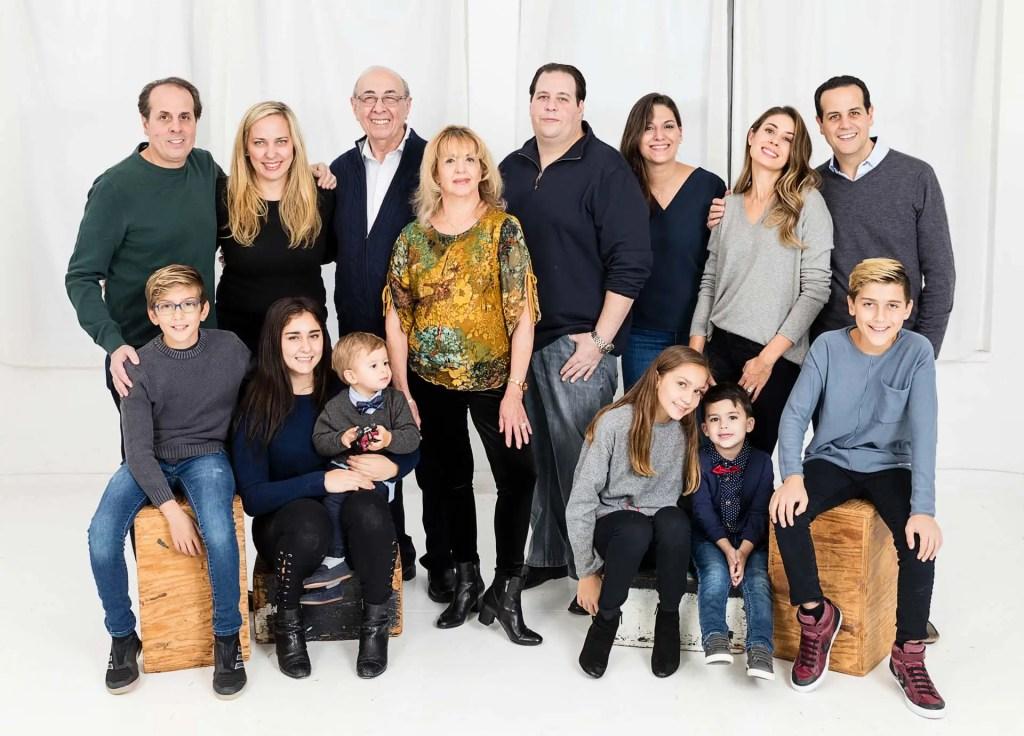 Studio-portrait-large-family.jpg