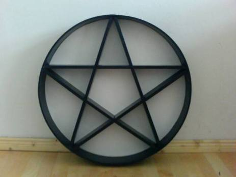 Pentagram-Regale by CAS Design