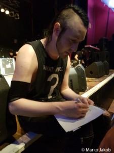 The Birthday Massacre geben Autogramme nach dem Konzert in Cottbus