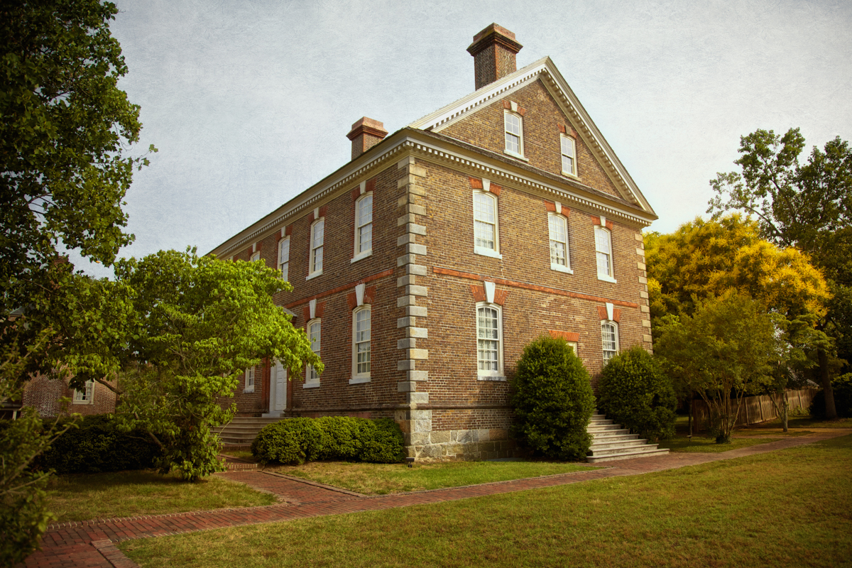 Spirits roaming the Nelson House are said to be from both the American Revolution and the Civil Wars