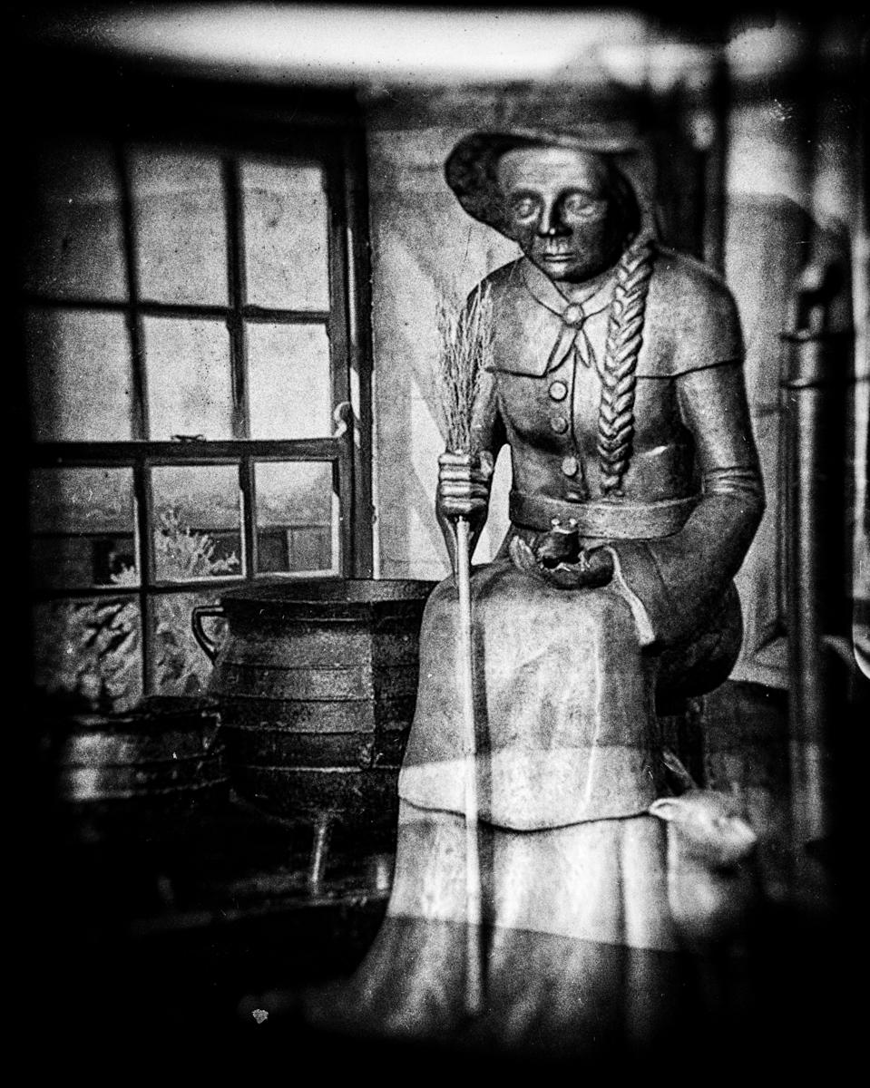 Statue of Dame Alice Kyteler in Kyteler's Inn in Kilkenny.