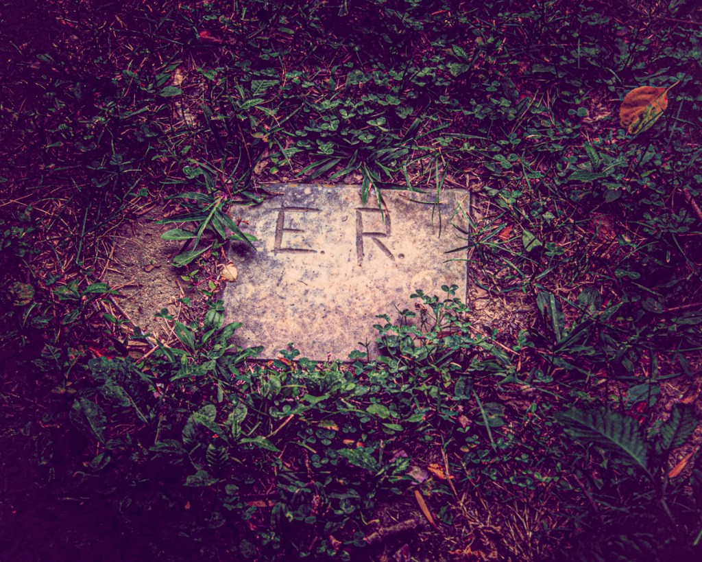 """The original tombstone for Elizabeth """"Betsey"""" Reed"""