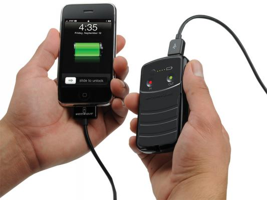 Charging an iPhone with the solBat II