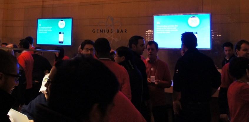 Grand Central Apple Store - Genius Bar
