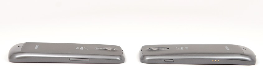 Galaxy Nexus with Standard Battery (left) and Extended Battery (right)